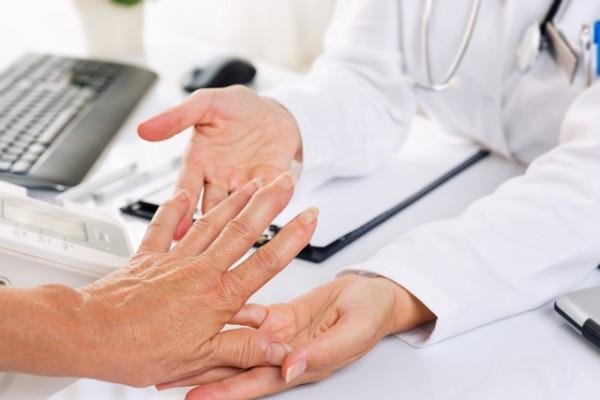 inflamația articulației cotului decât a trata