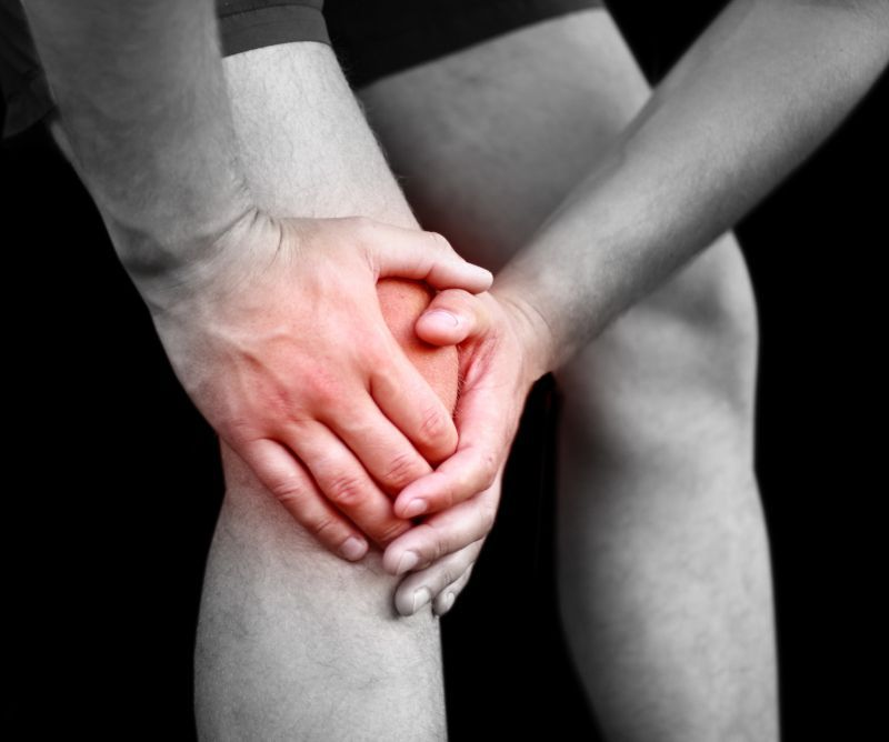 artrita genunchilor simptome cauzează