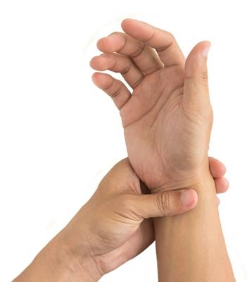 cum să înlocuim condroitina glucozamină inflamația mâinilor articulațiilor