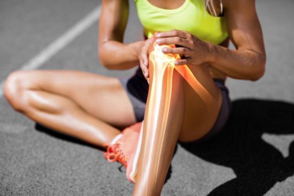 articulațiile din genunchii umerilor doare