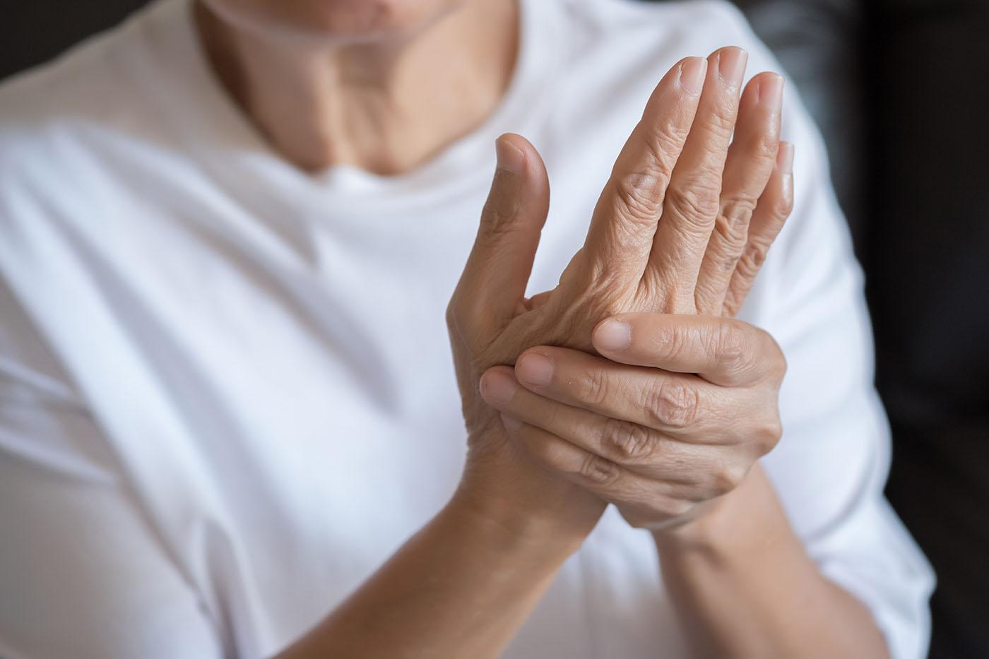 artrita umflata la picior si picior sinovita articulației șoldului