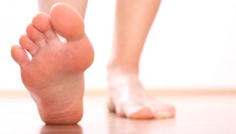 durere în articulația piciorului degetul mare deteriorarea ligamentelor gleznei și piciorului