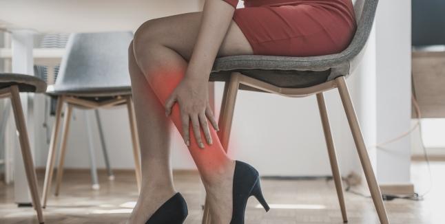 durere în articulațiile picioarelor pe vreme artroza articulației genunchiului stâng cu 1-2 grade