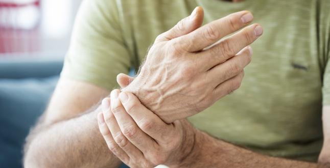 durere în articulația degetului mâinii stângi dureri articulare și care sunt
